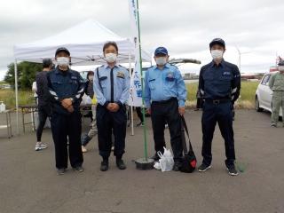 """酒田「小さな親切」の会""""最上川河口""""クリーン作戦に参加しました。"""